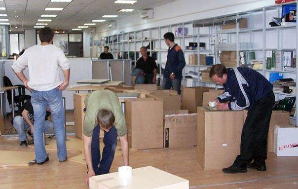 Сборка мебели в офисе